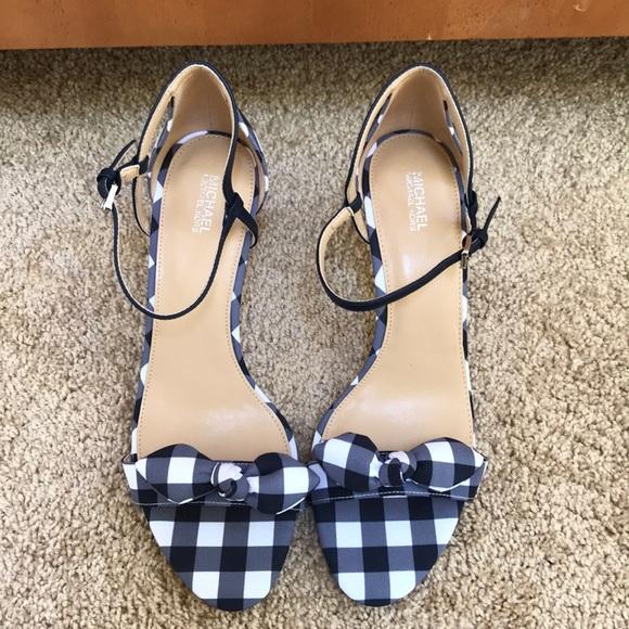f10a6340aca4 Michael Michael Kors size 10 pippa heels. M 5b3a2a34a31c33e47bd8f43f